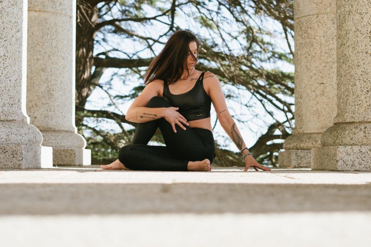 Mulher praticando exercício